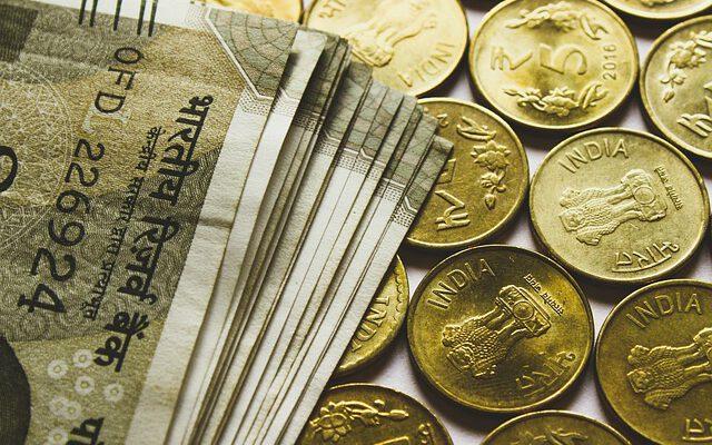 Indian rupee could hit 20.5 versus Dirham