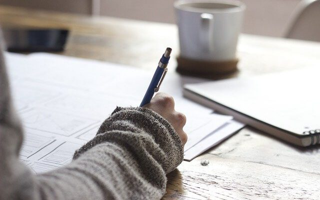Essay Writing Tips : How many Paragraphs Does An Essay Have?